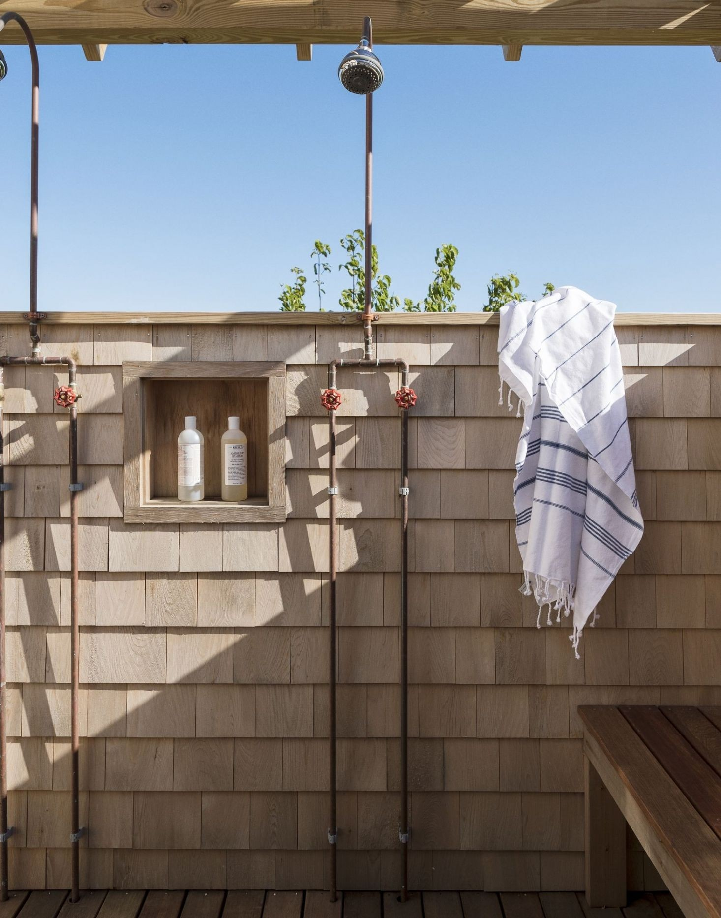 10 Favorites Outdoor Showers Gardenista