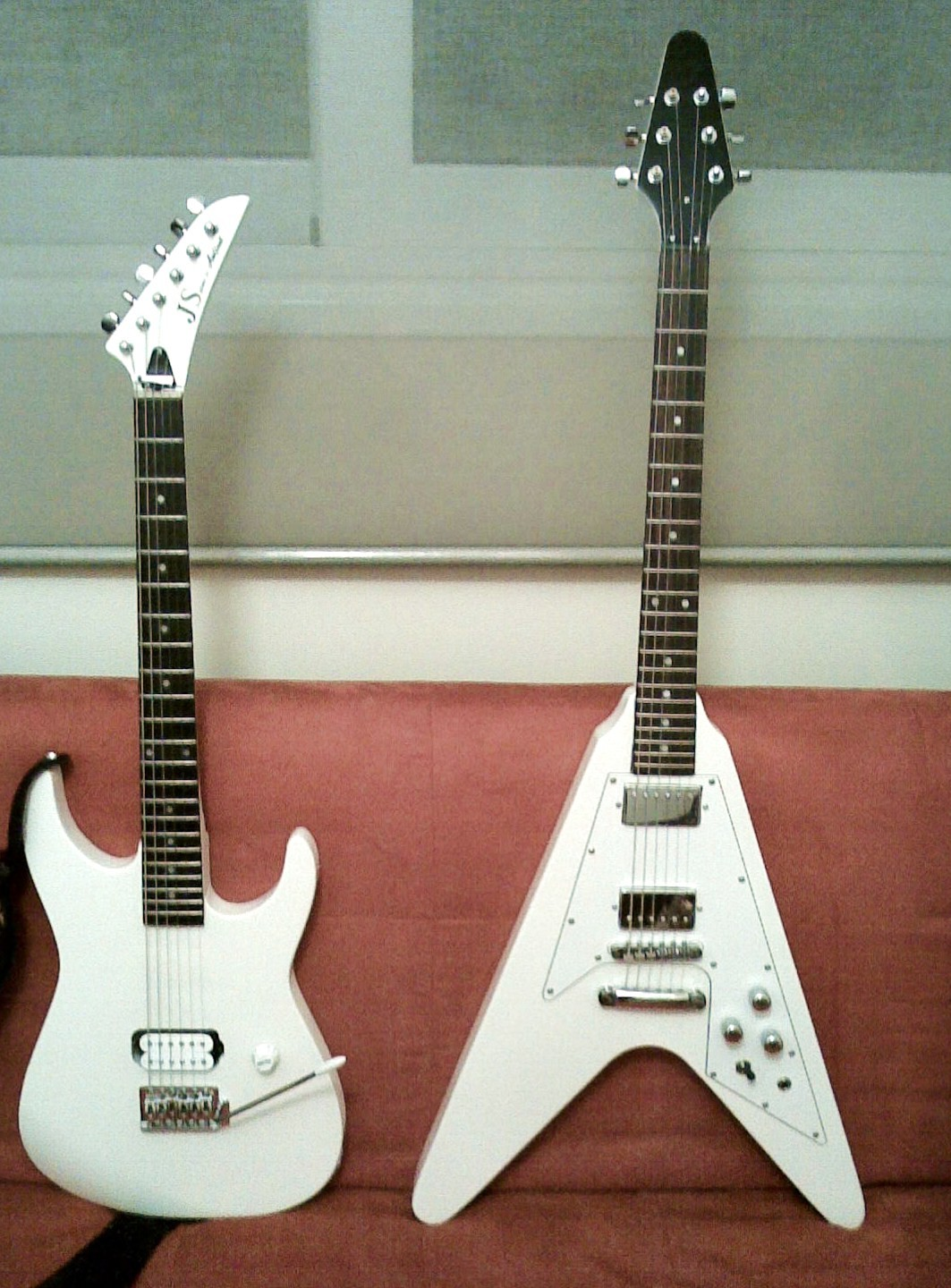 """It s a Flying V style guitar but the question is Can it really """"fly"""" When I first bought this used guitar for 60euros"""