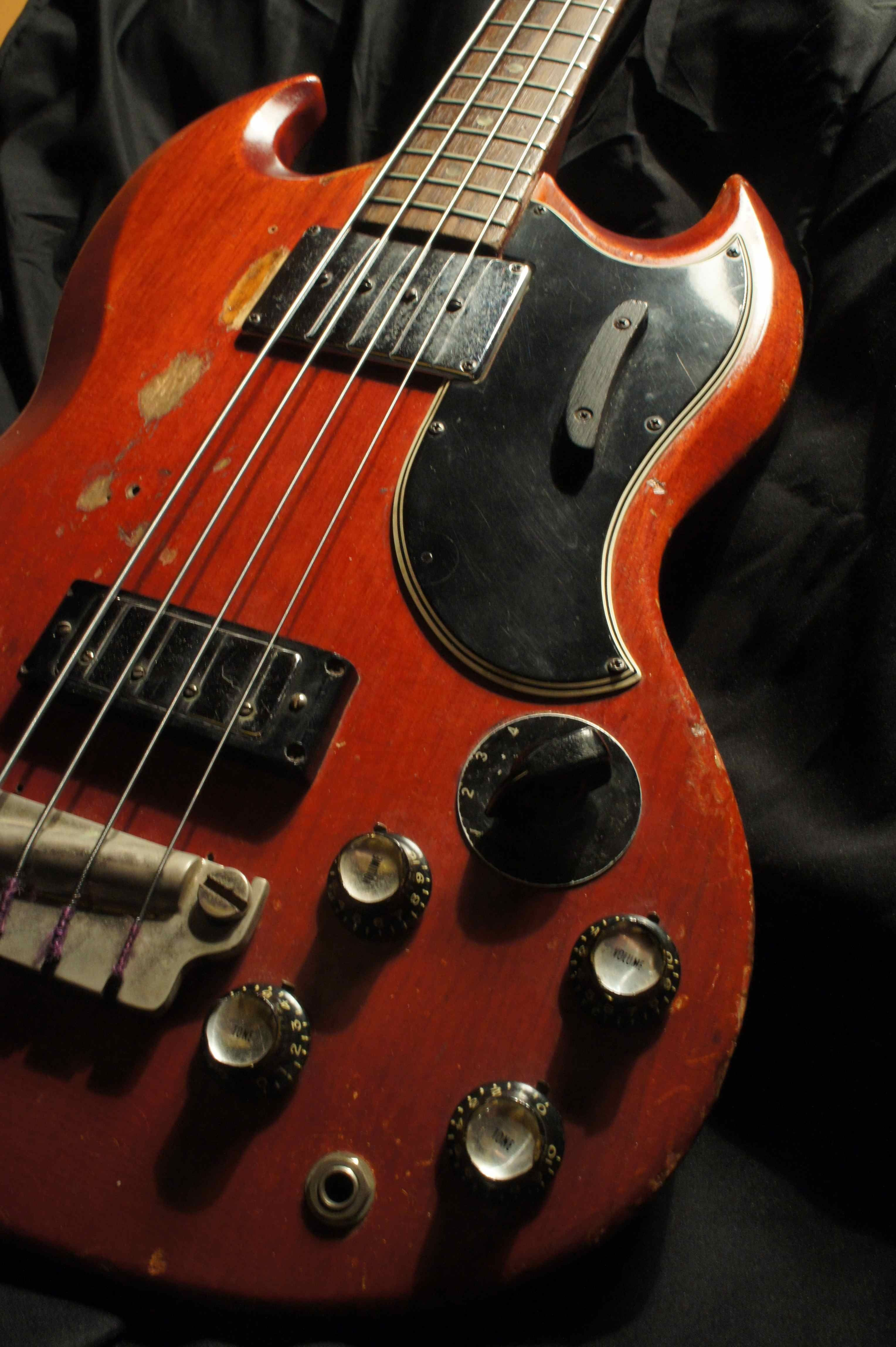 Gibson EB 3 Bass 1966 of the late Jack Bruce ed extensively while in Cream