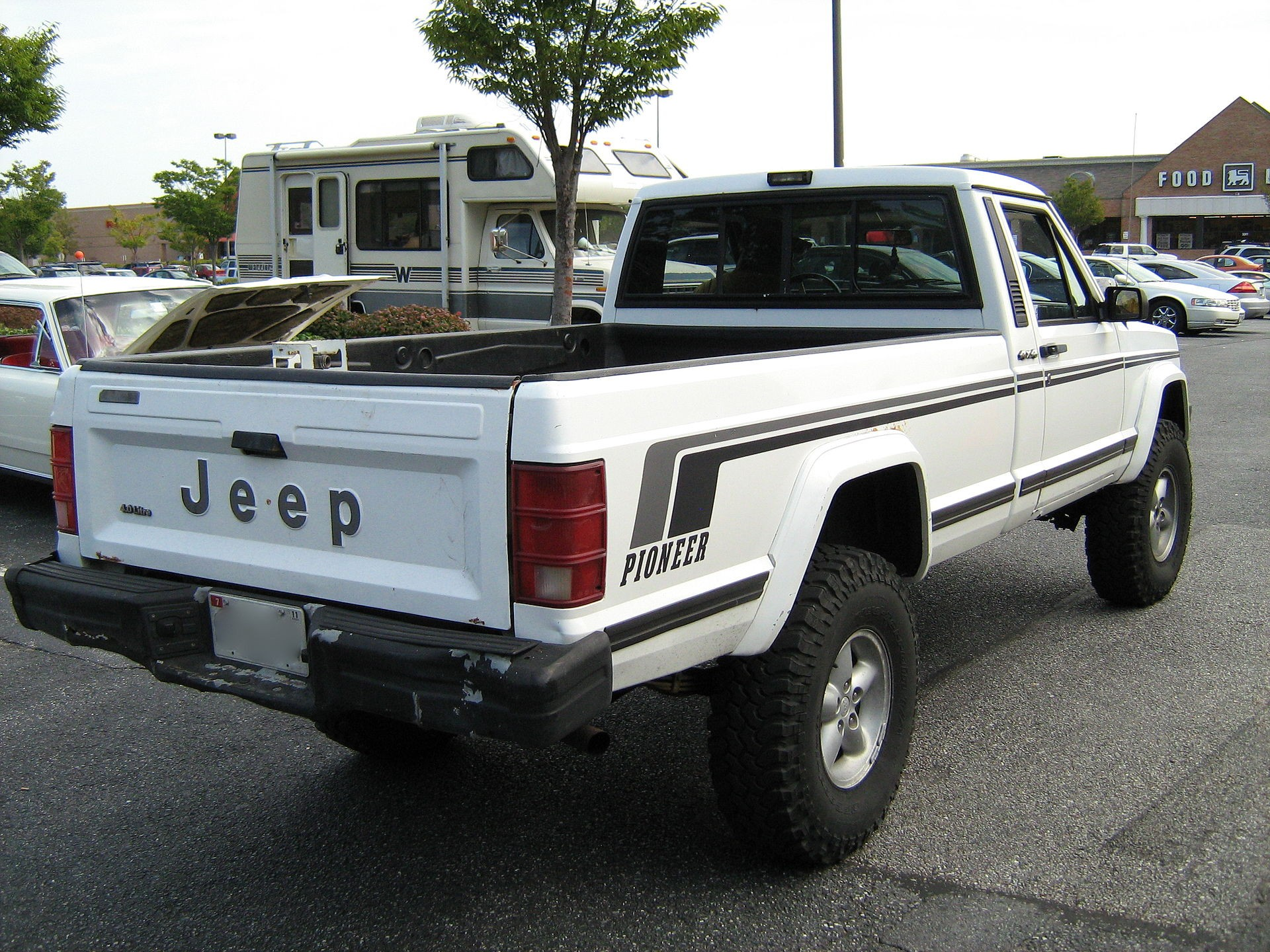 1920px Jeep anche Pioneer white MD r