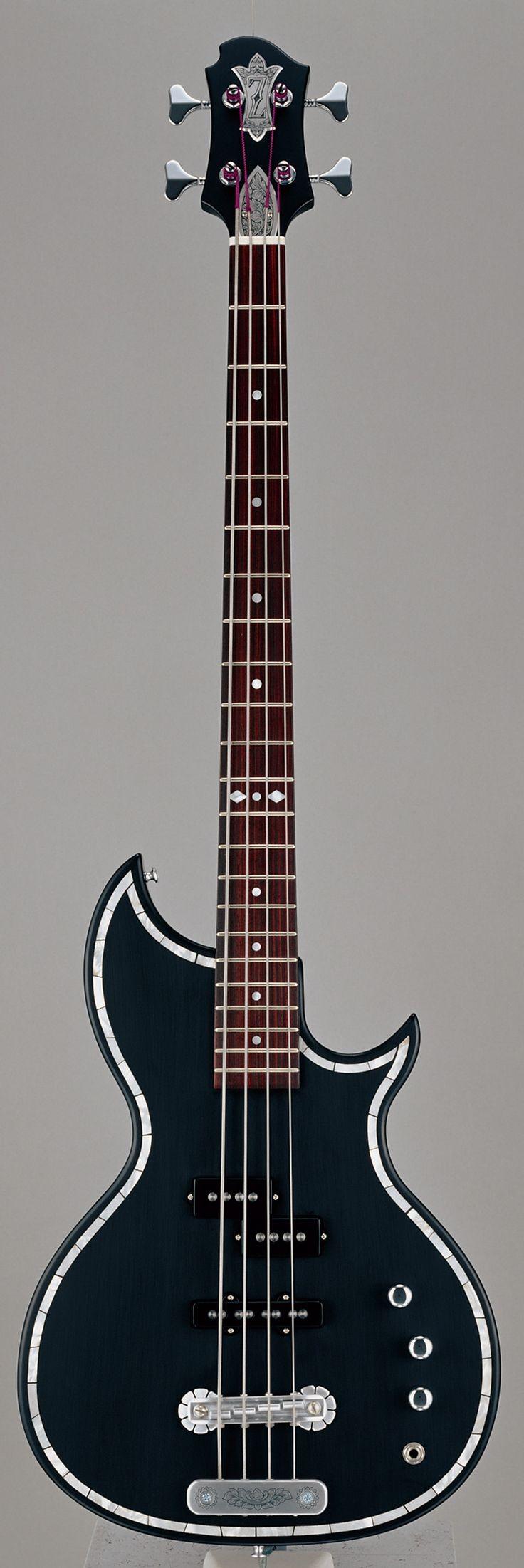 Zemaitis bass