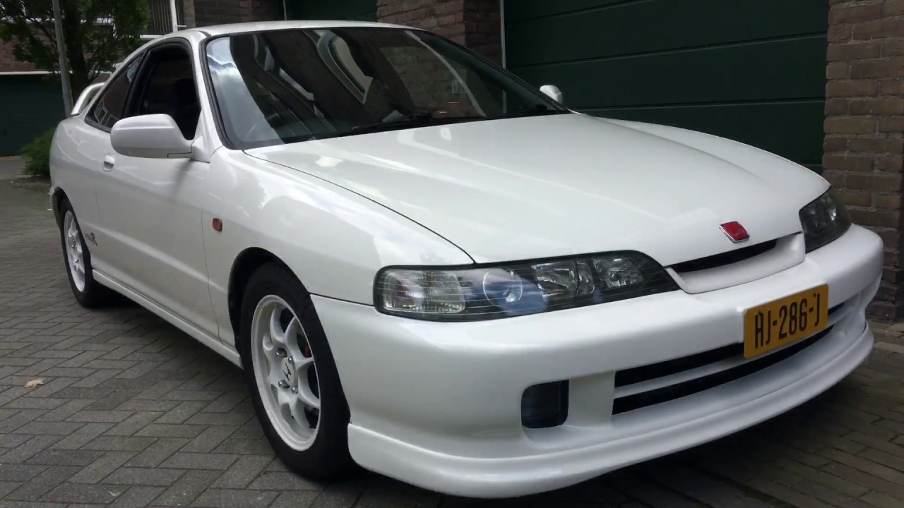 Project JDM Integra Type R restore headlights in 5 minutes