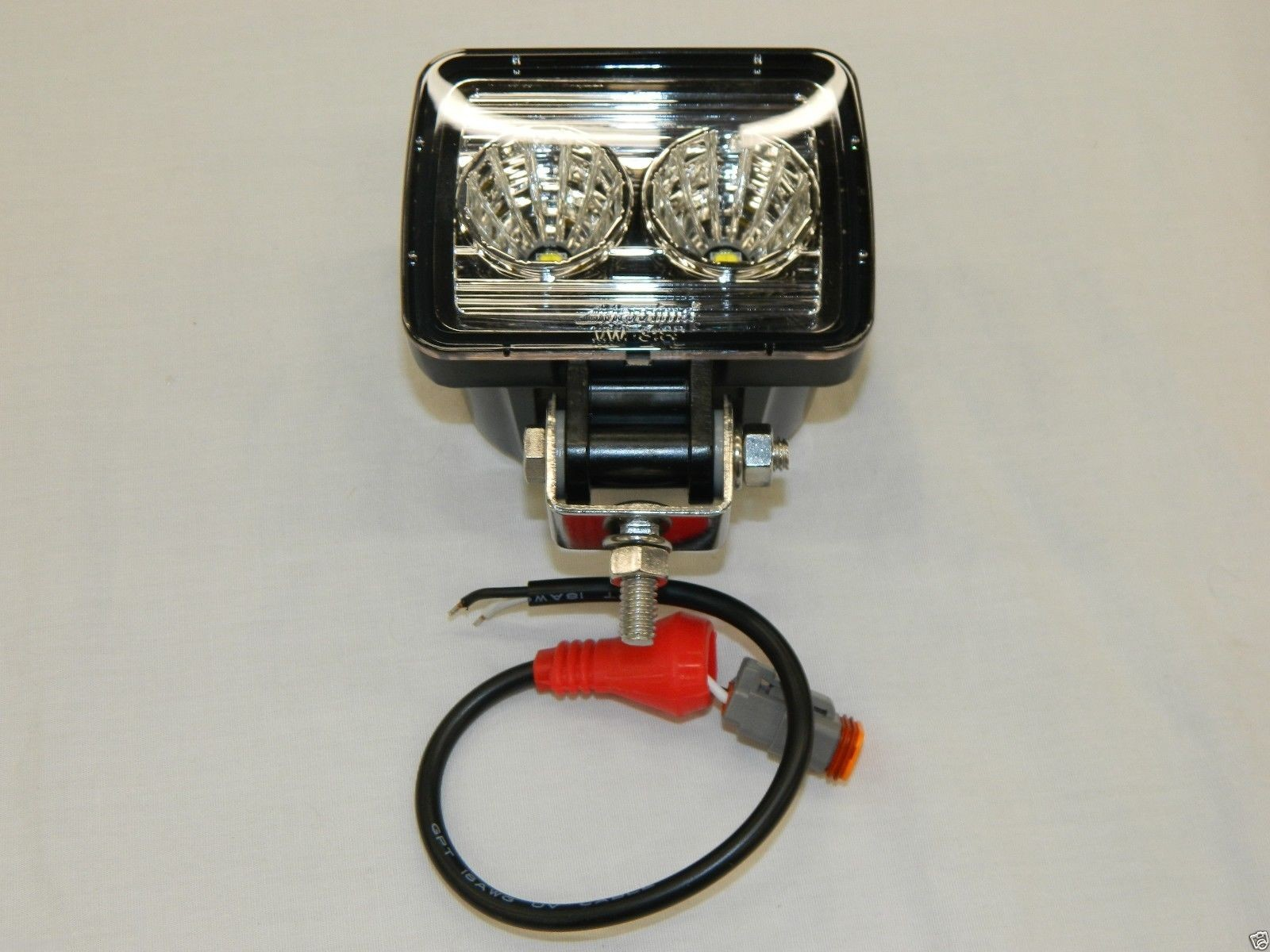 Maxxima MWL 31SP Heavy Duty Square pact Work Light 1350 Lumen 2 LED s