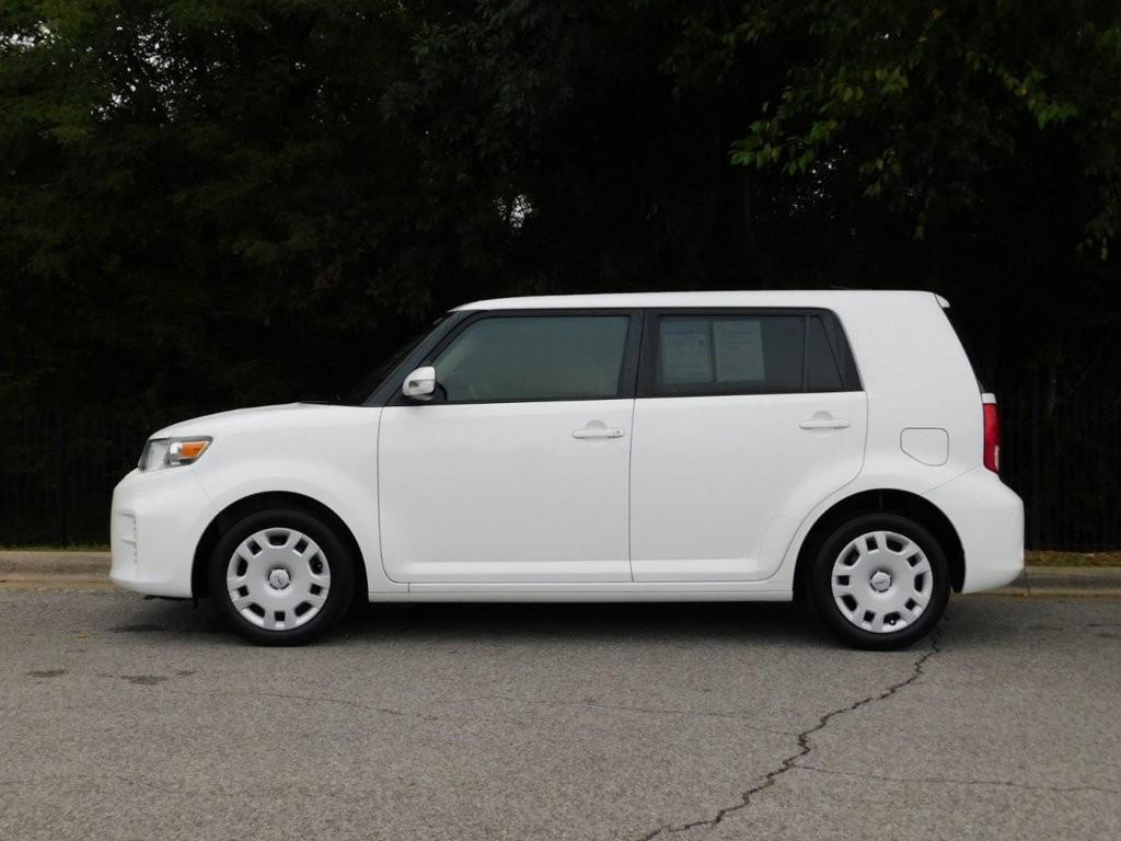 2015 Scion xB 5dr Wagon Automatic 1