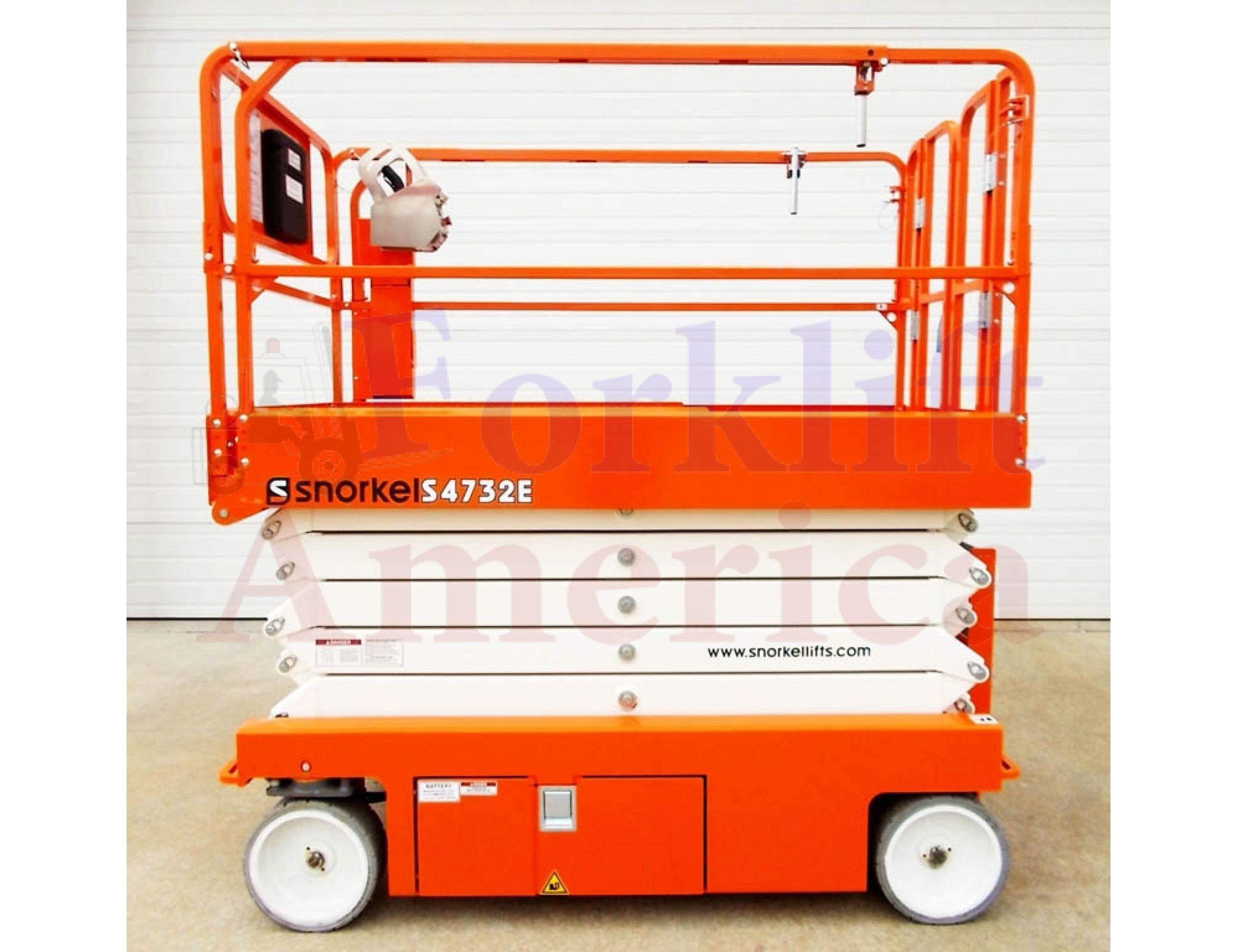 Snorkel S4732E Hydraulic Drive Electric Scissor Lift