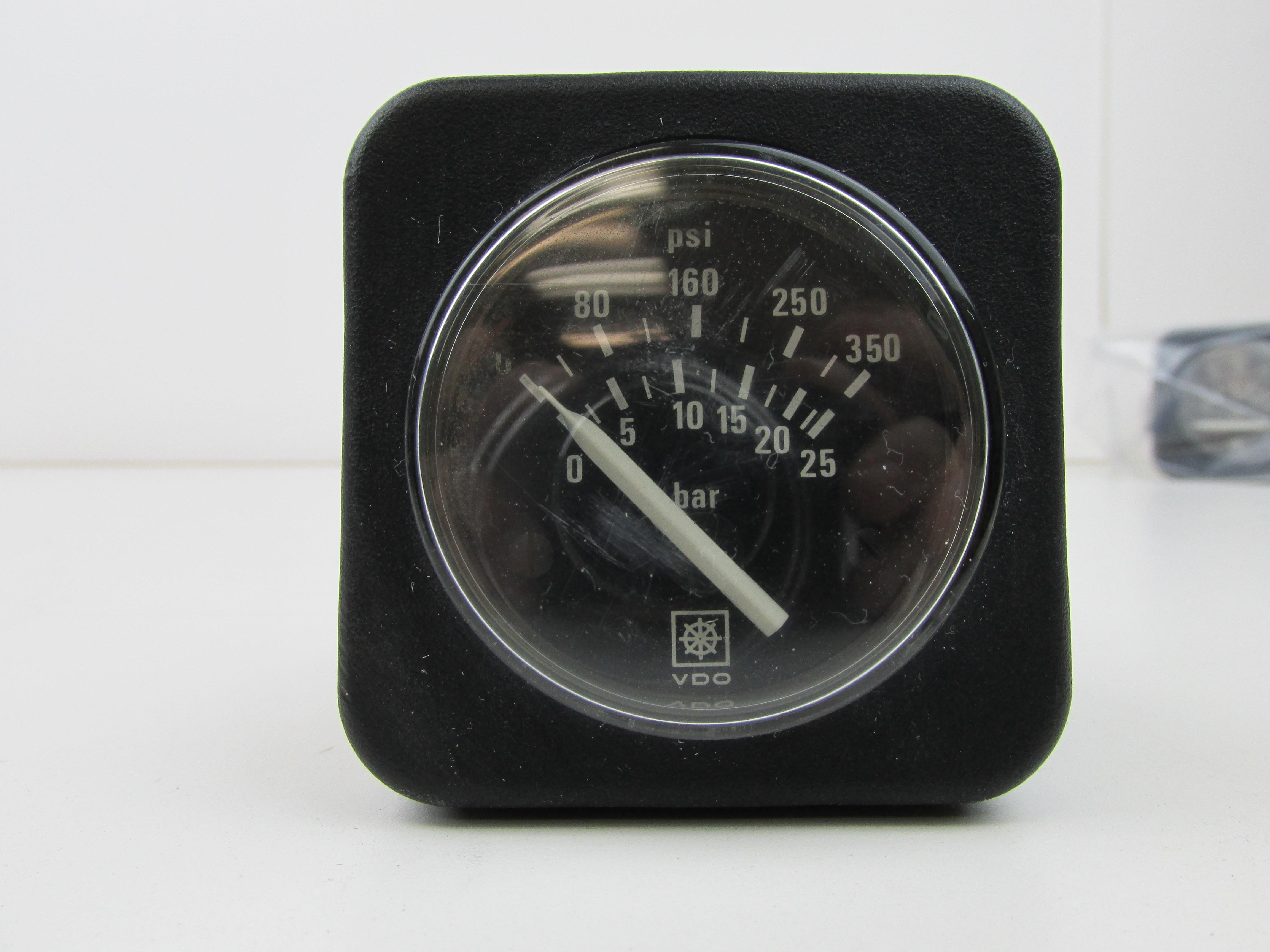 Cummins VDO 0 350 PSI Pressure Gauge